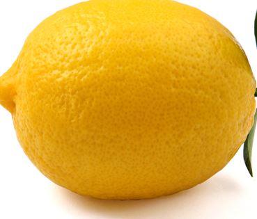 Agrumi nocivi alla pelle esposta al sole